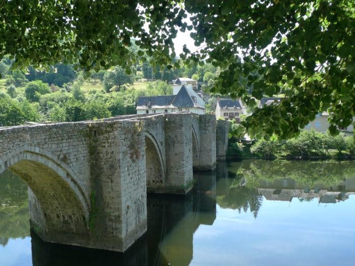 Medeival bridge Entraygues