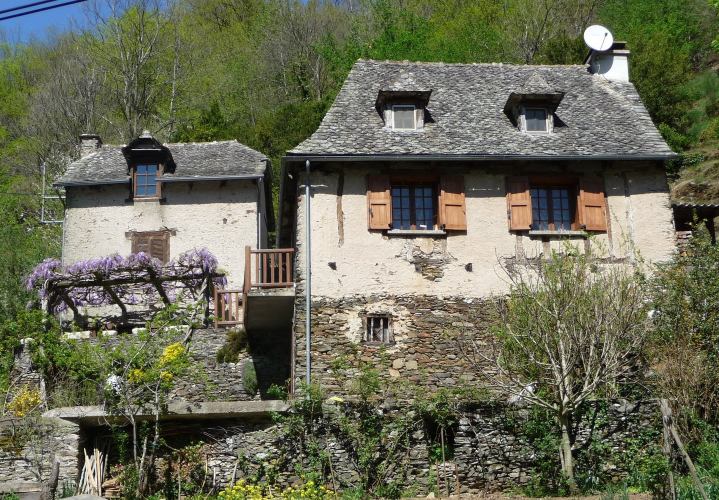 Les glycines du lot french cottage holidays for French country cottages for sale