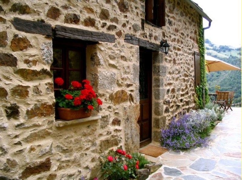 La gourdinerie french cottage holidays for Small french country cottage