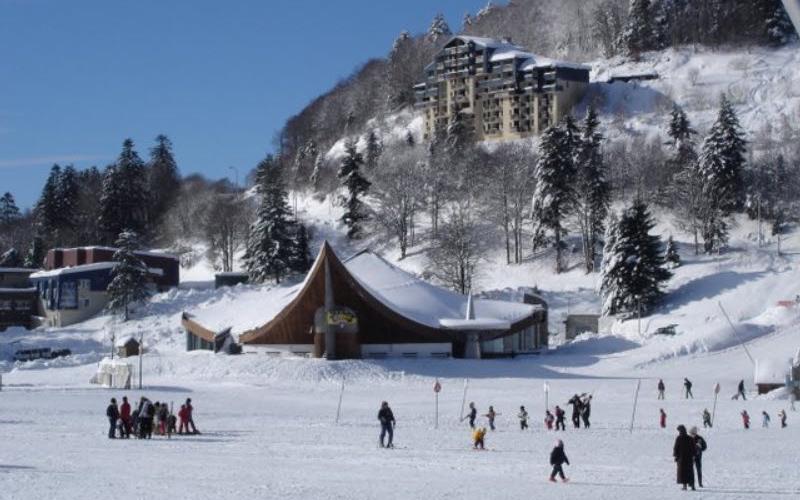 Le-Lioran-slopes-and-village-1