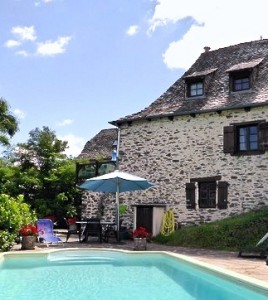 La Chapelle pool and house